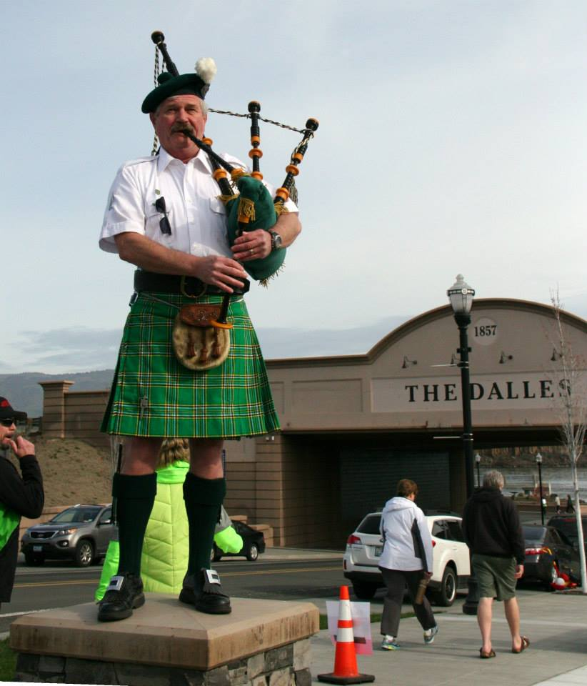 The bagpipes started the 2014 Jumpstart St. Patty's Day Run in The Dalles. Photo courtesy Tom Conklin.